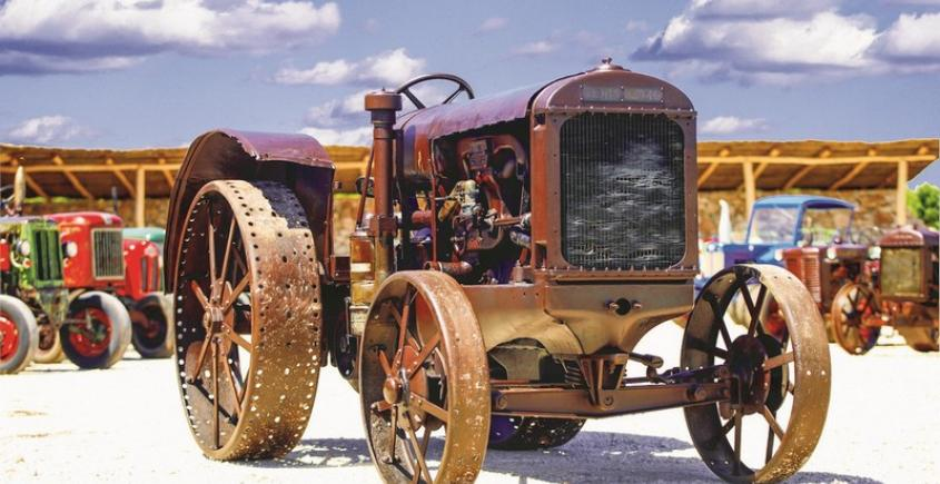 Traktor Story & Konobon Gallery